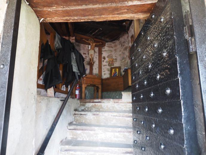 聖ニコラオス・アナパヴサ修道院の内部