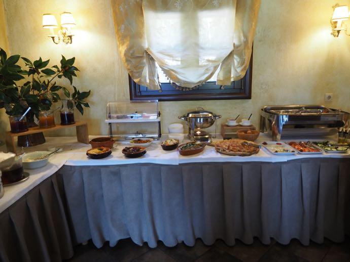 ギリシャ料理のブッフェ