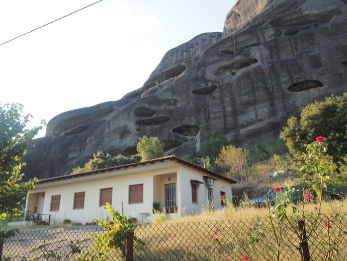 奇岩の洞穴