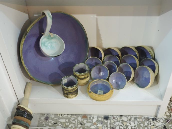 紫色のスープボウル