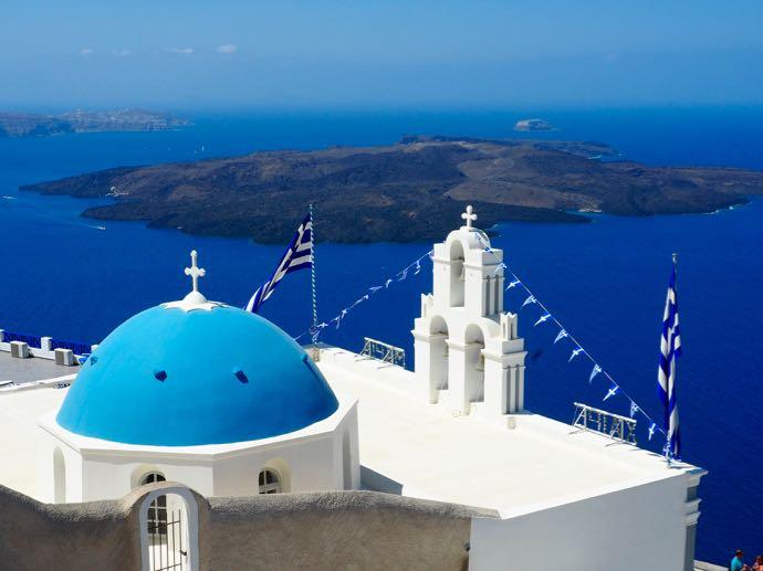 フィロステアニの青いドームの教会