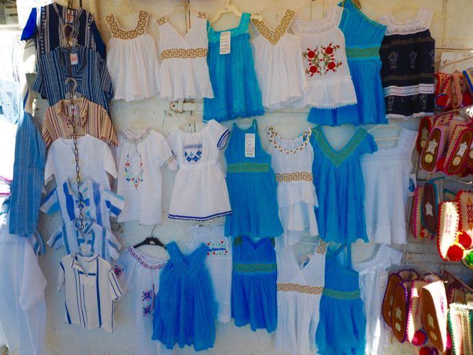 可愛らしいギリシャの子供服
