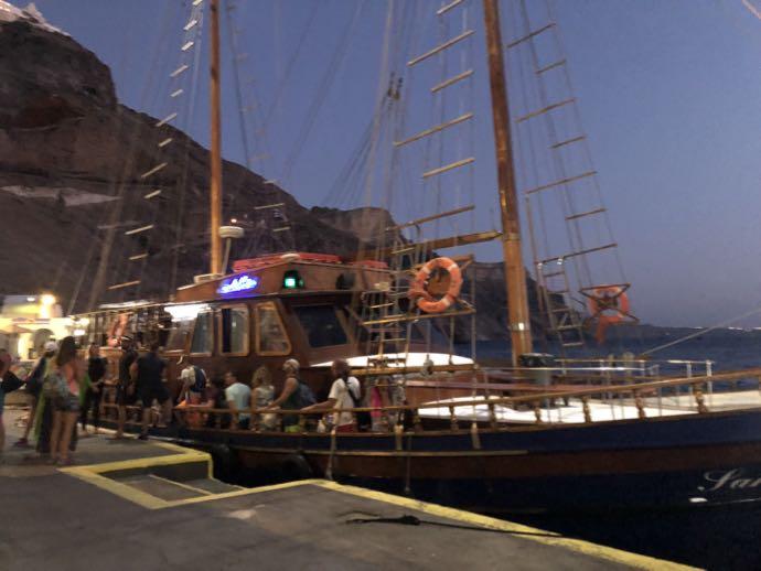 オールドポートに到着した伝統船