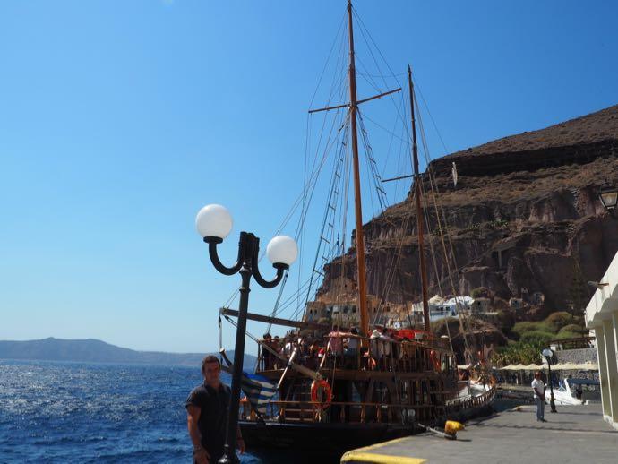 伝統の船「King Thiras」