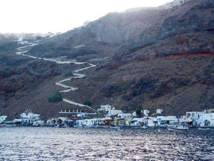 ティラシア島全景
