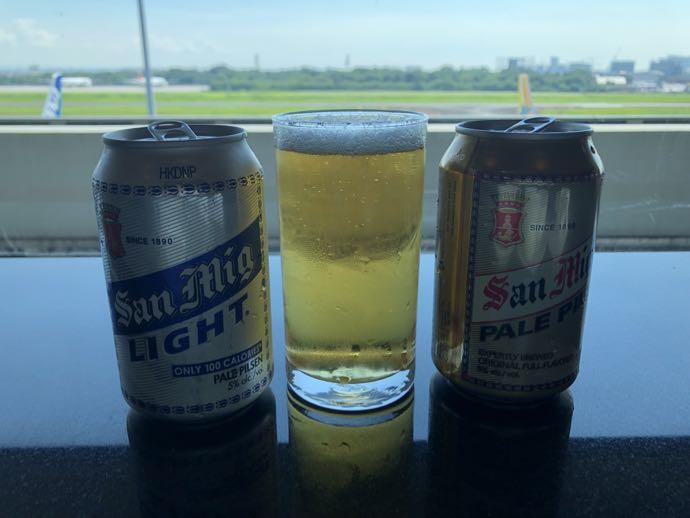 マニラ・ニノイ・アキノ国際空港 SKY VIEW LOUNGEでビール