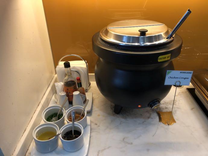 マニラ・ニノイ・アキノ国際空港 SKY VIEW LOUNGEの中華粥