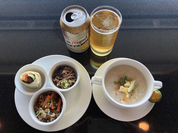 マニラ・ニノイ・アキノ国際空港 PACIFIC CLUB LOUNGEで食べたもの