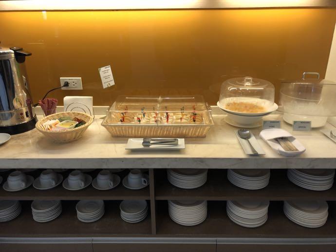 マニラ・ニノイ・アキノ国際空港 SKY VIEW LOUNGEの軽食