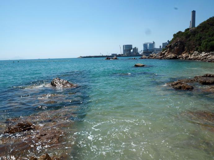 ラマ島のビーチは水が綺麗
