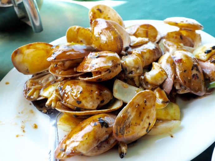 豆豉炒花蛤(黒胡椒チリソースの揚げ貝)