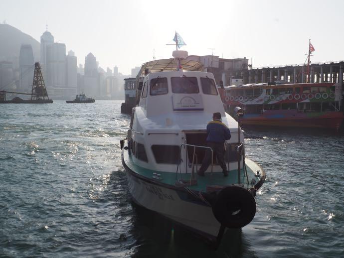 天虹海鮮酒家の専用船