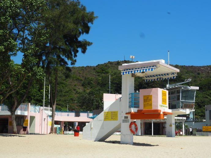 洪聖爺灣泳灘にある監視台