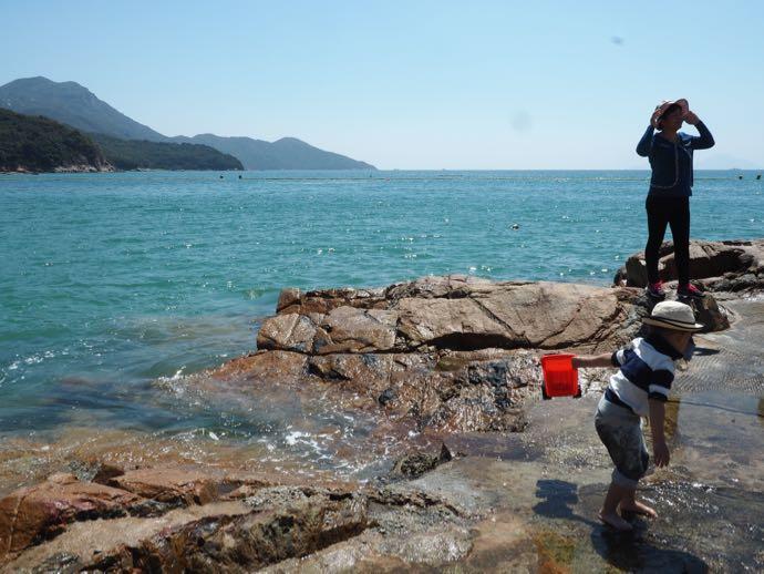 洪聖爺灣泳灘の透明度の高い水