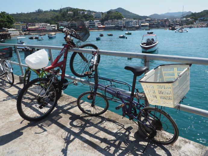 溶樹湾に停車する自転車