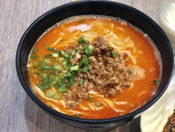 濰京坊の担々麺