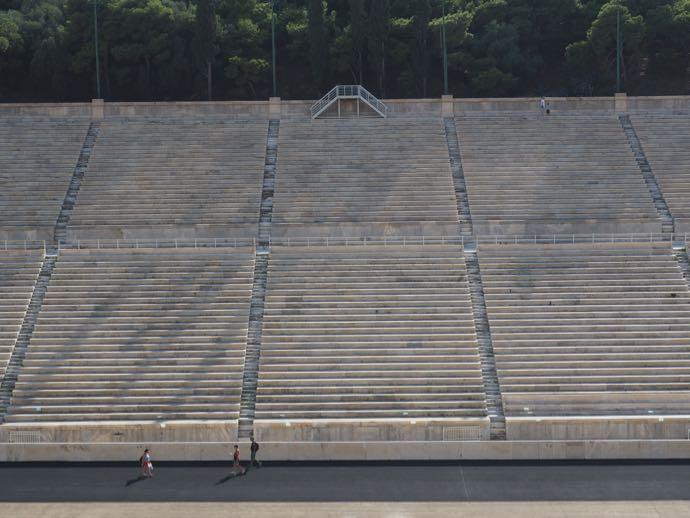パナティナイコ・スタジアムの大理石の座席