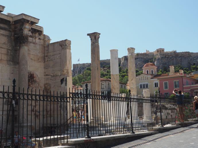 ハドリアヌスの図書館の外側