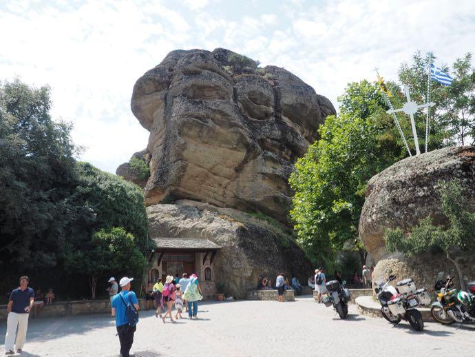 奇岩の入り口