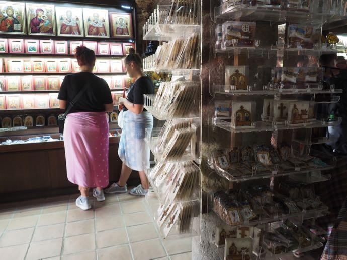 ヴァルラーム修道院の売店