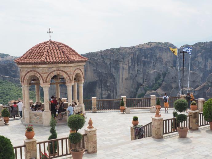 ヴァルラーム修道院のテラス