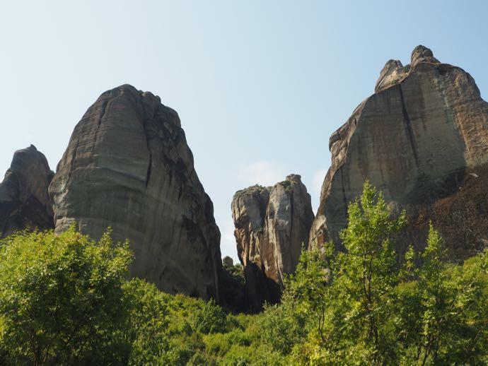 巨岩ニョキニョキ