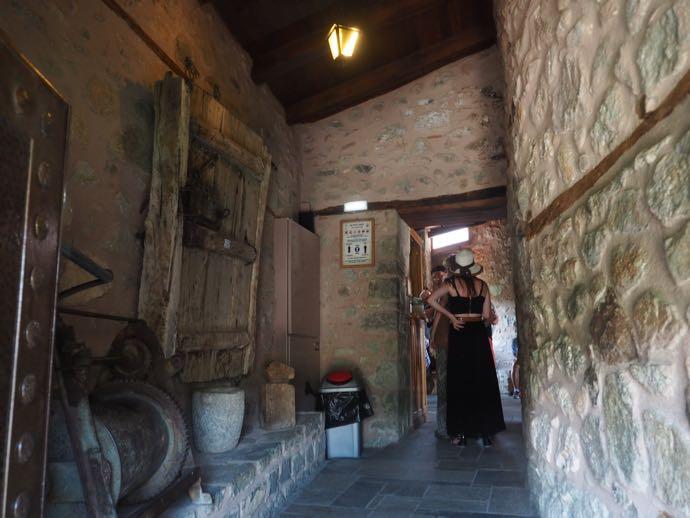 修道院内部