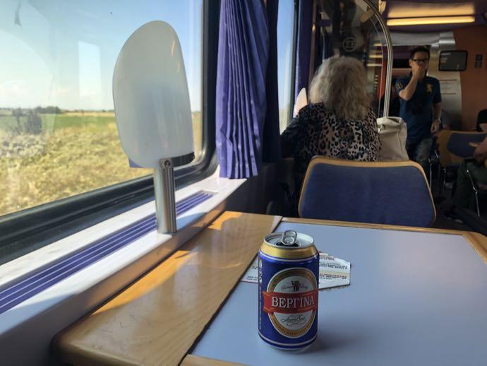 食堂車で飲むビール