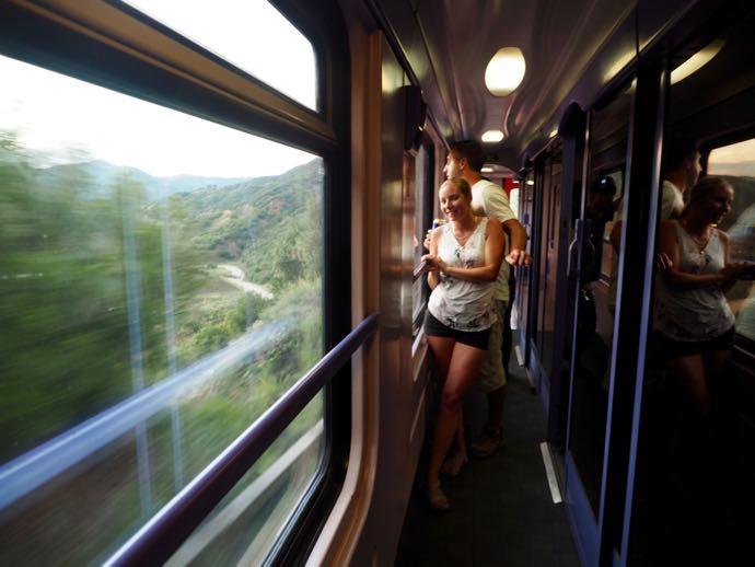 鉄道の内廊下からの景色