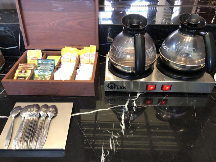 ドリップコーヒーと紅茶