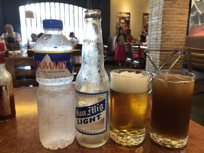 飲み物が3種類運ばれた件