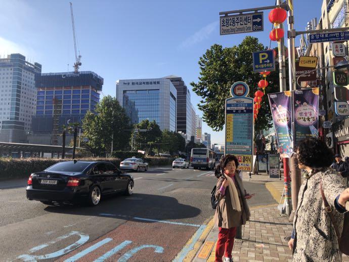 釜山駅の前のバス停