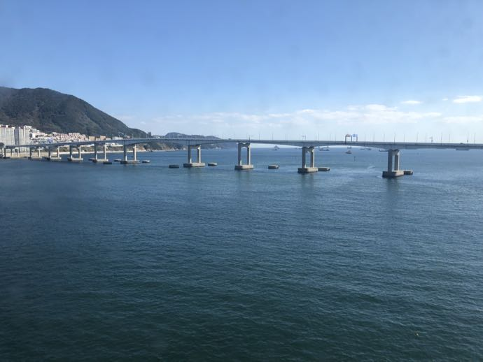 釜山の海と橋