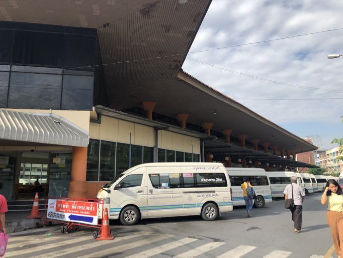 旧南バスターミナルのロットゥー乗り場