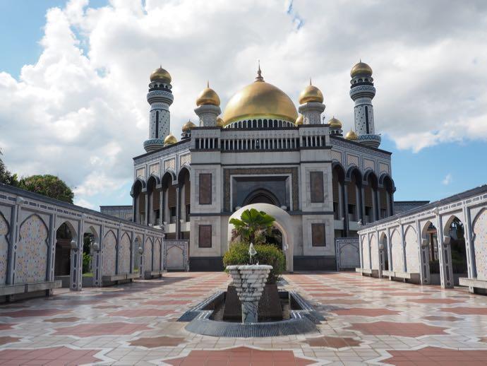 お昼のニューモスク