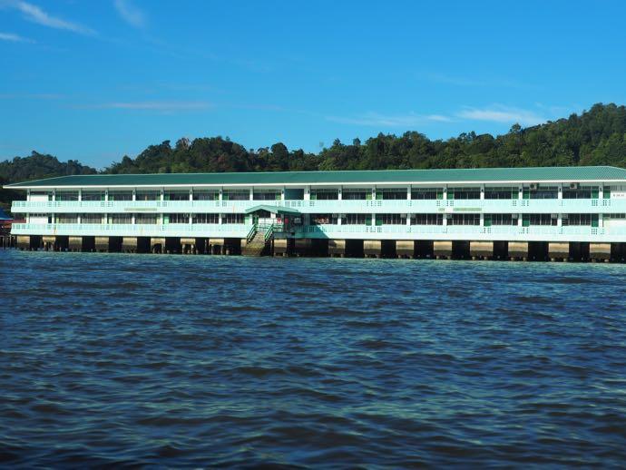 水上集落の学校