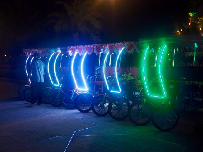 電飾が派手な自転車