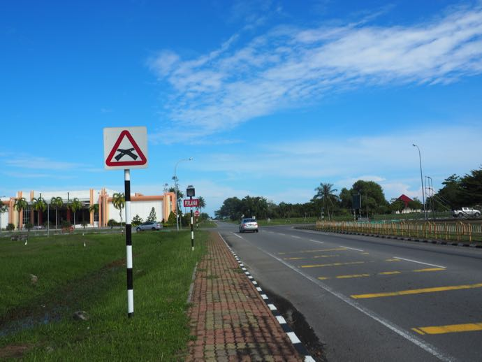 セリアの暑い自動車道路