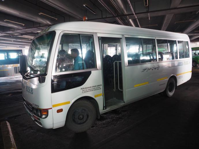 BSBバスステーションのバス