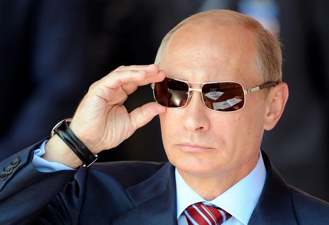 サングラス着用のプーチン大統領