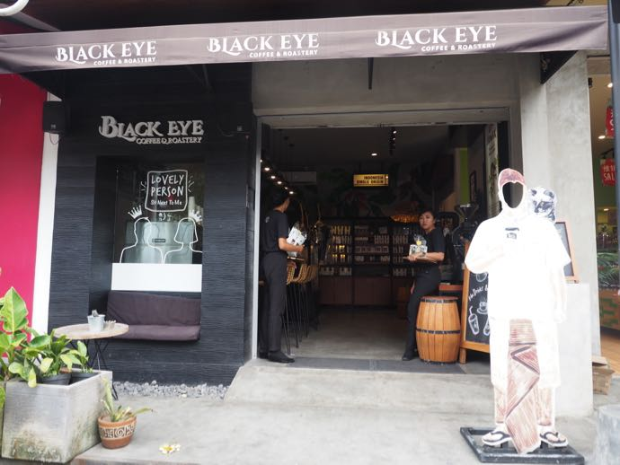 BLACK EYE COFFEEの入り口