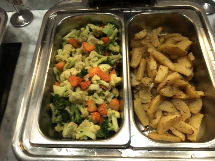 ポテトと野菜炒め