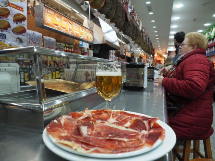 ハモンセラーノとワイン