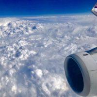 飛行機から見たネパールは雲だらけ