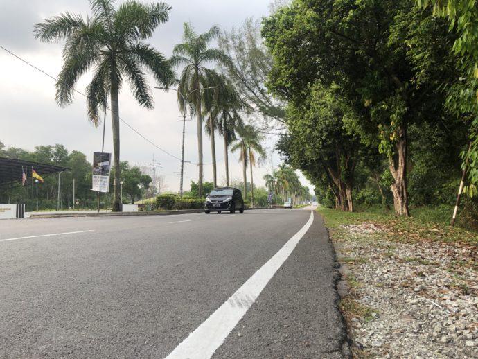 マレーシアの車道