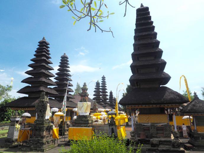 タマン・アユン寺院のメル