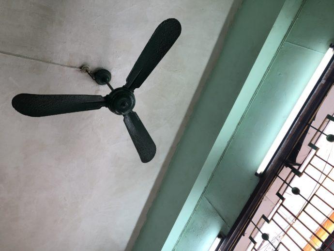天井のプロペラ