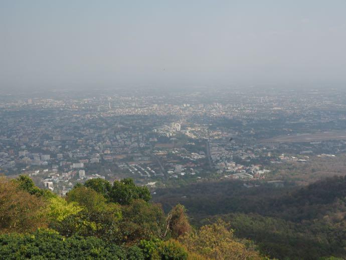 チェンマイ旧市街を一望