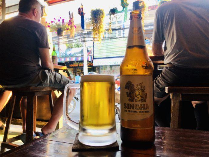 ハッピーアワーのシンハービール
