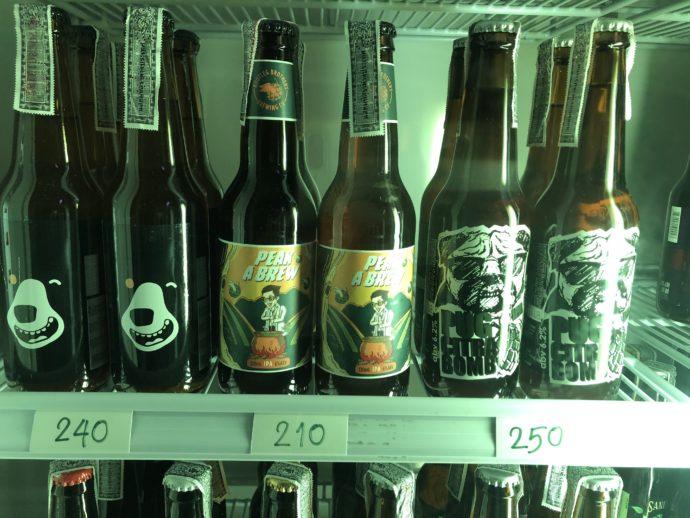 冷蔵庫の中のクラフトビール